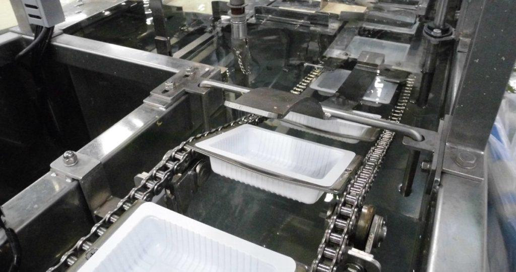 食品機械のオイル交換とその重要性について